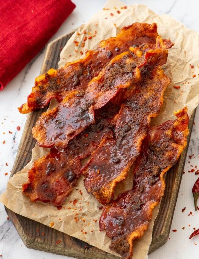 sliced bacon on a plate