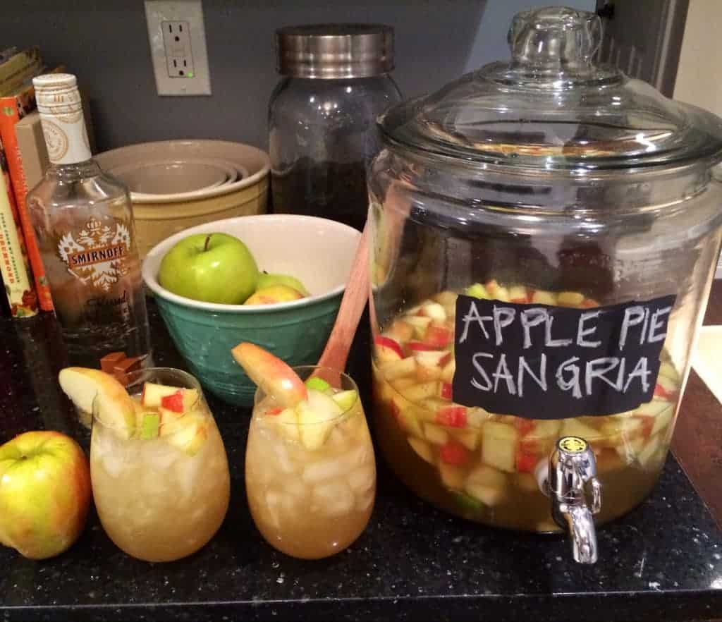Apple Pie Sangria - The Cookie Rookie
