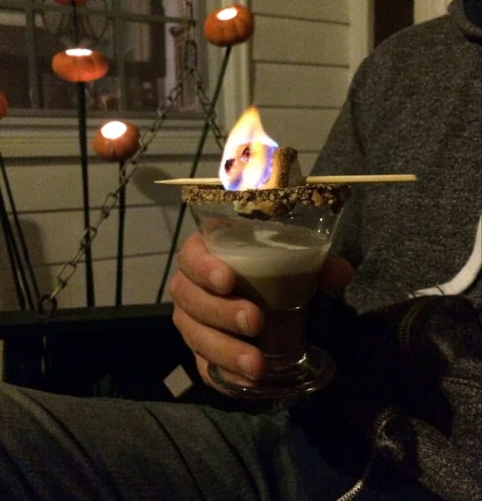 toasted s'more martini! this is such a fun drink. and tastes great!