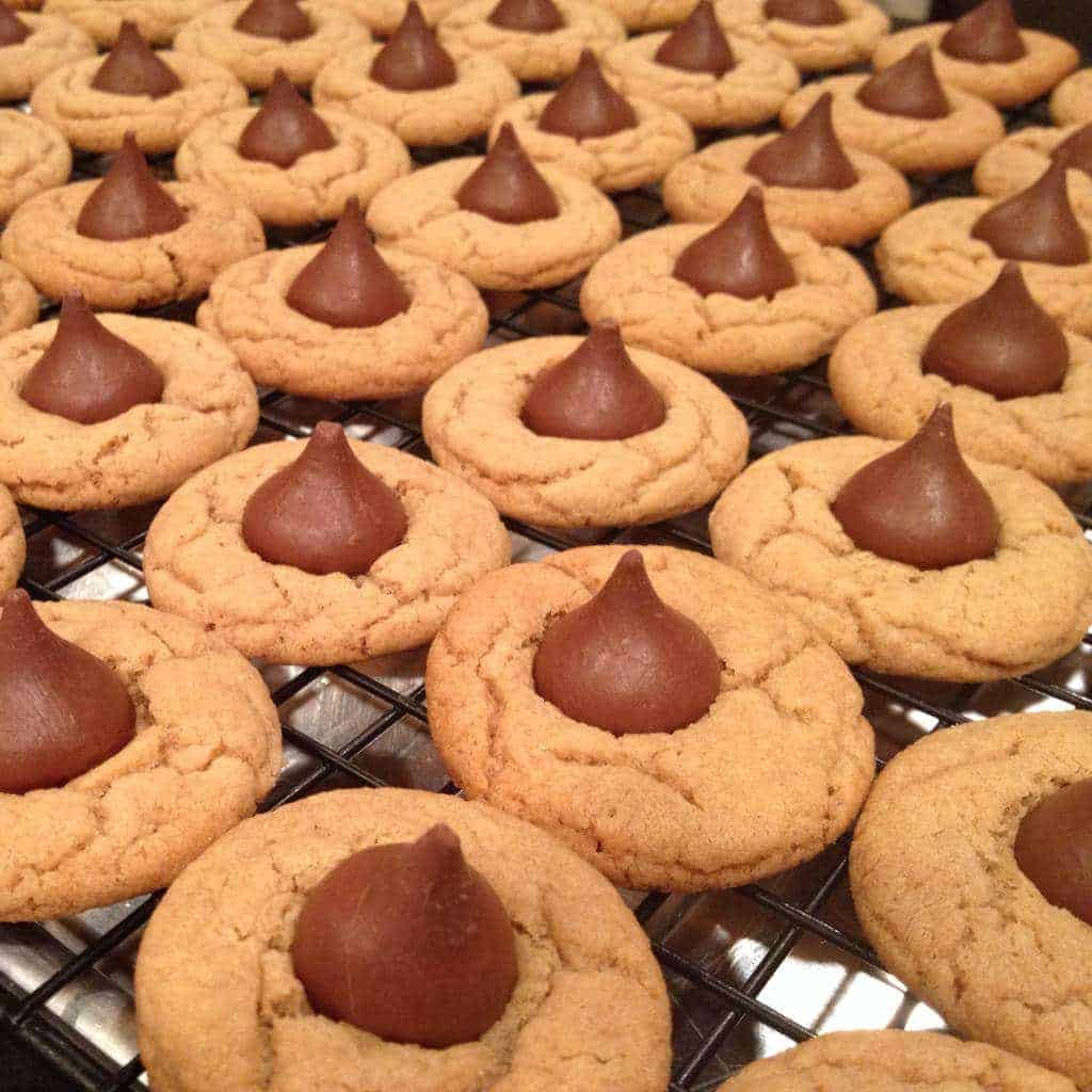 peanut butter kiss cookies. my favorite christmas cookie! this a fool ...