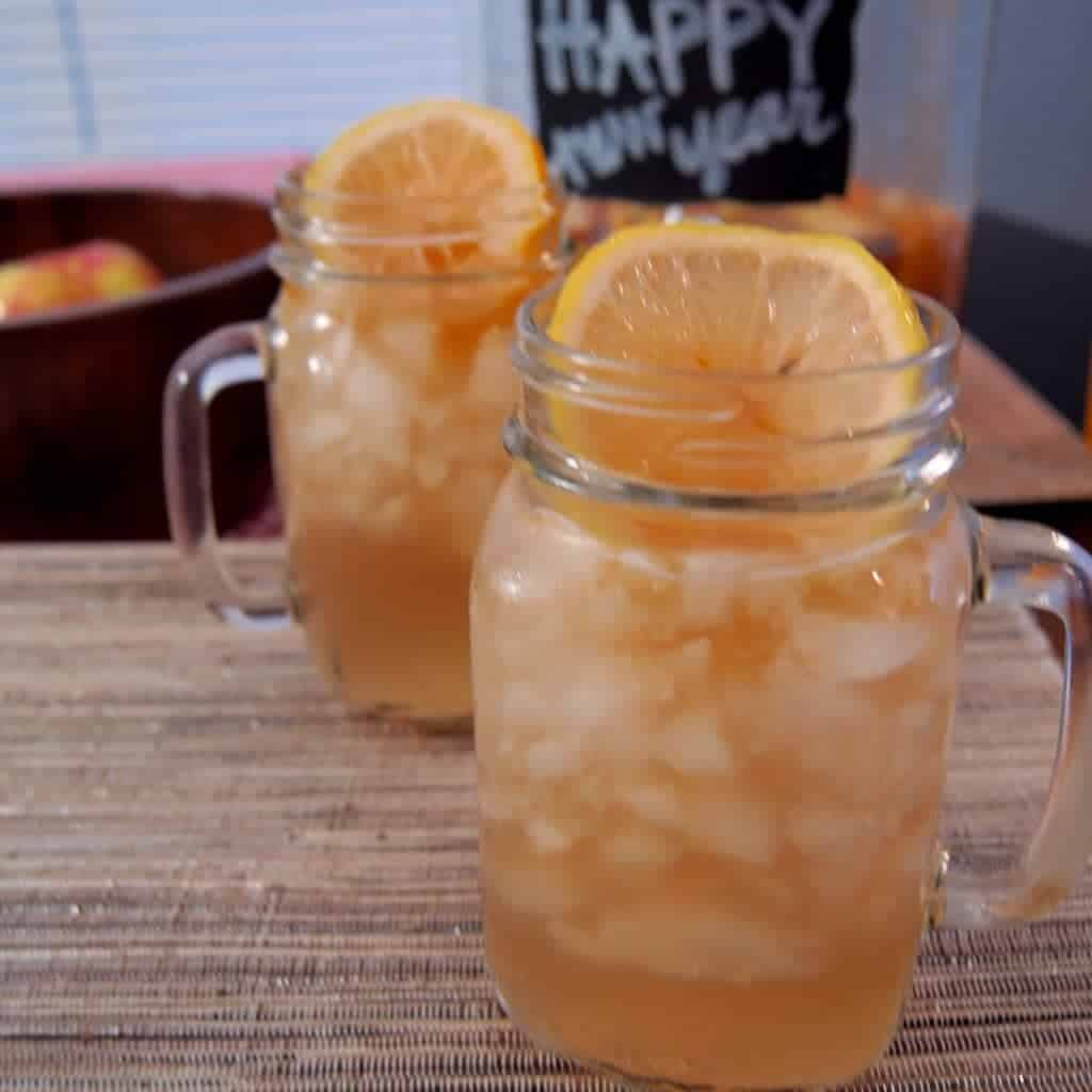 champagne sangria! the perfect drink for New Years! fun and refreshing (and easy)