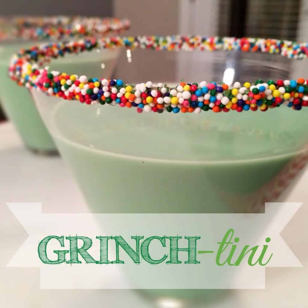 GRINCH-TINI! (aka: the grasshopper) minty holiday cocktail perfect for christmas!! love thirsty thursdays at www.thecookierookie.com