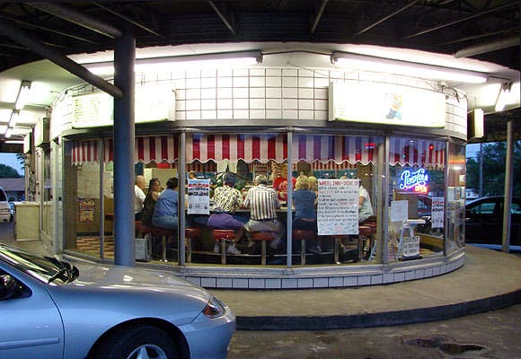 photos of the Wheel Inn in Sedalia, MO fromhttp://www.thelope.com/2007/08/wheeling-out.html