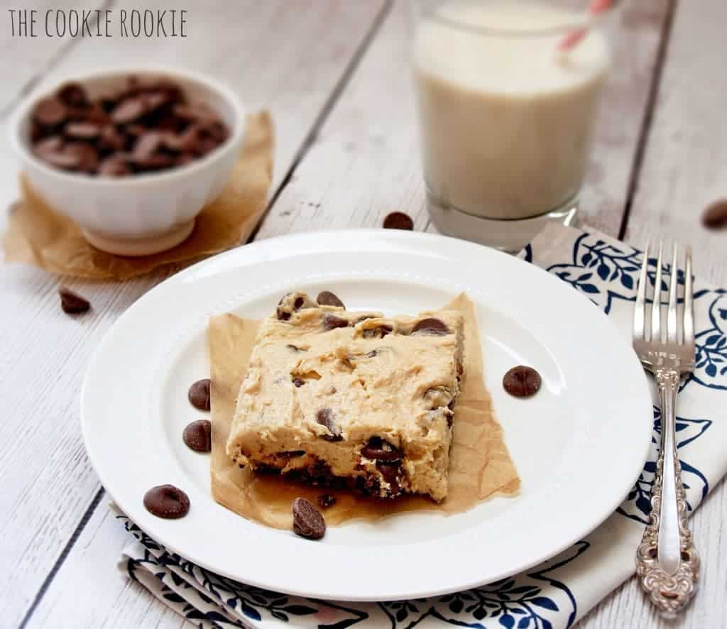 NO BAKE Peanut Butter Cheesecake Bars, the perfect quick and easy sweet treat! {The Cookie Rookie}