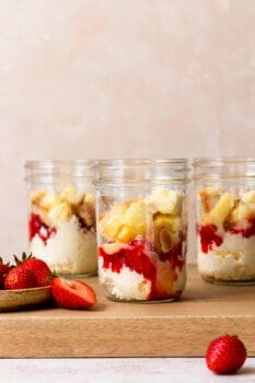 how to make strawberry shortcake cups