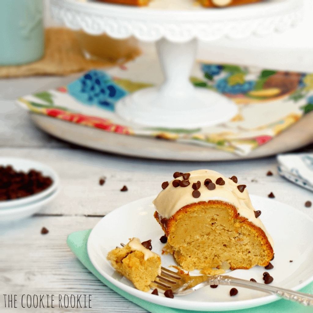 Peanut Butter Banana Bundt Cake--AMAZING and so easy. Who knew?! - The Cookie Rookie