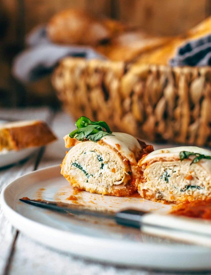 Chicken roll ups stuffed with spinach and ricotta