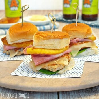 Hawaiian Chicken Burger Sliders. AMAZING!! Healthy and delicious! - The Cookie Rookie