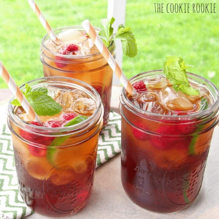 Spiked Sweet Tea cocktails in glasses
