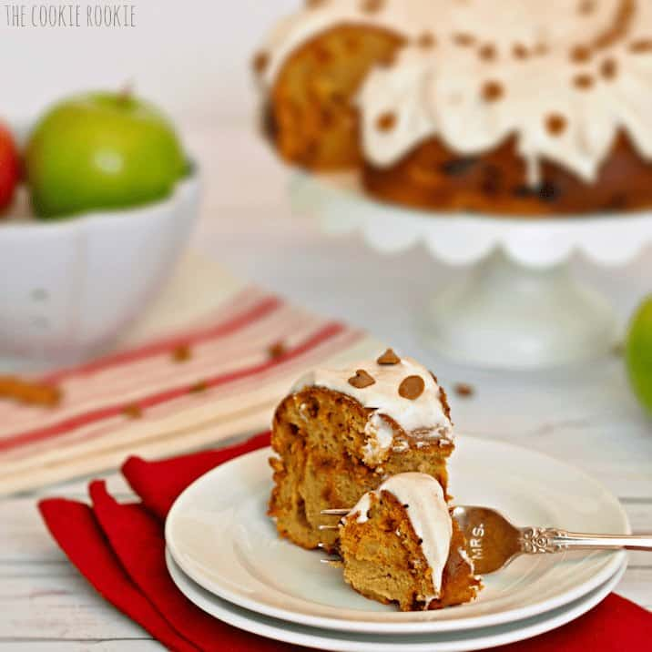 Chunky Apple Bundt Cake topped with Cinnamon Cream Cheese Icing. Made with pudding and apple sauce! YUM! - The Cookie Rookie