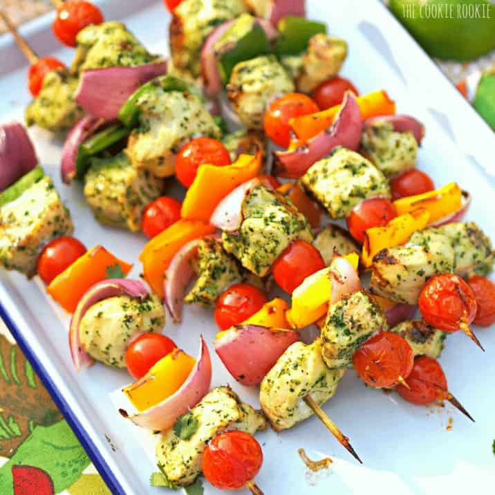 Chicken Fajita Kebabs with Cilantro Pesto. So yummy on the grill! #healthy #skinny #grill #recipe - The Cookie Rookie