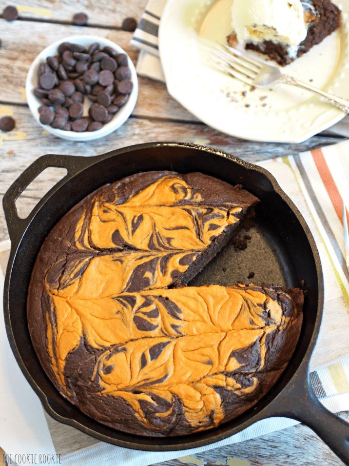Skinny Pumpkin Pie Skillet Brownie. This is the best dessert ever! - The Cookie Rookie
