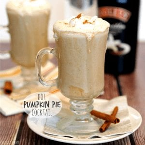 hot pumkin pie cocktail in a glass mug