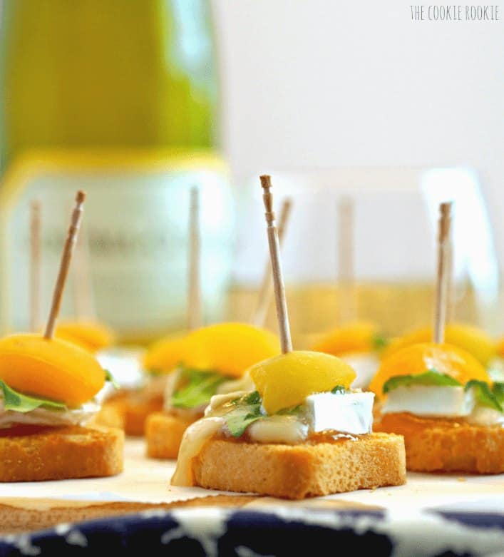 mini apricot brie bites close up