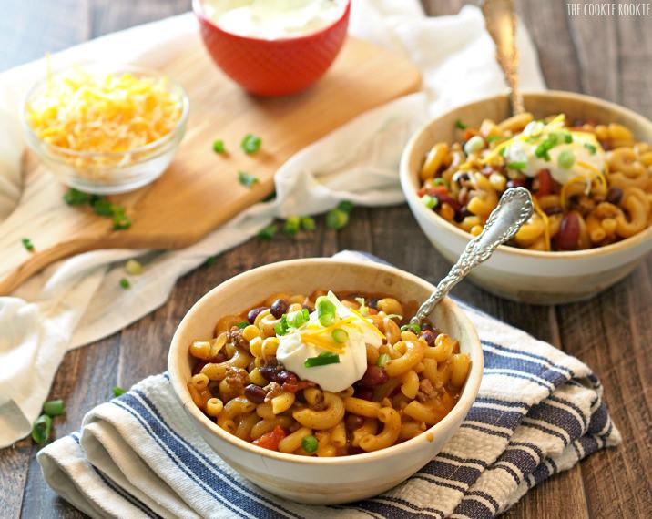 ONE POT Loaded Chili Macaroni and Cheese! The best comfort food recipe! Amazing and delicious!   The Cookie Rookie