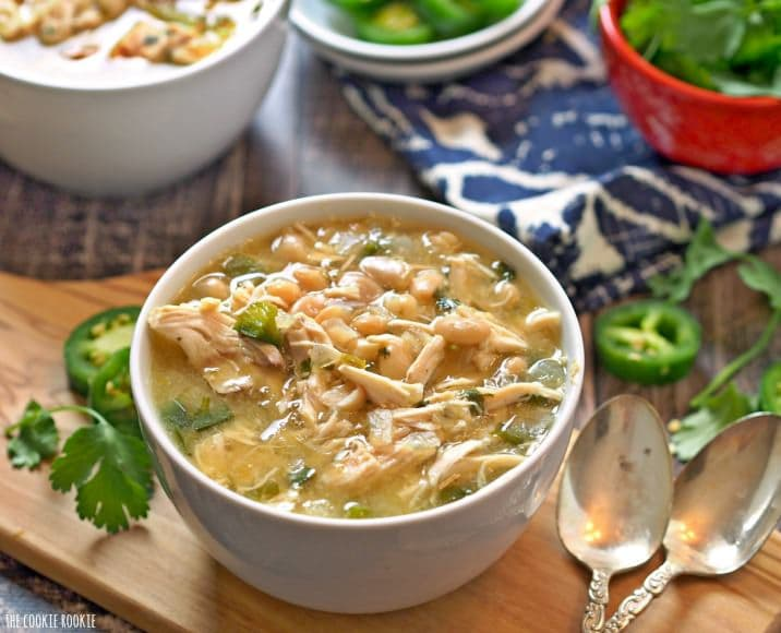 EASY Spicy White Chicken Chili! New favorite comfort food for fall and winter. Made in 30 minutes!   The Cookie Rookie