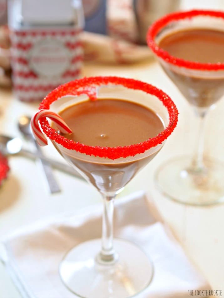 "Peppermint ""Hot Chocolate"" Martinis, easy delicious and fun! Perfect for the holidays! 