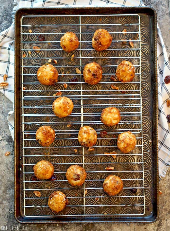 Cherry Pecan Fried Goat Cheese Poppers! Elegant and easy appetizer | The Cookie Rookie