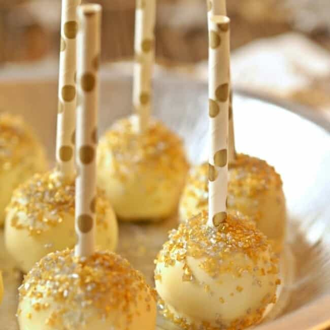 Gold Glitter Cake Pops (Lemon Cake Pops), perfect for any holiday! So easy. Lemon Cake Pops covered in white chocolate! | The Cookie Rookie