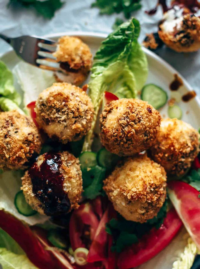 Salad with goat cheese balls on top