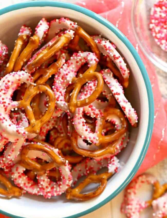 Pink Yogurt Covered Pretzels for a baby shower or Valentine's Day! | The Cookie Rookie
