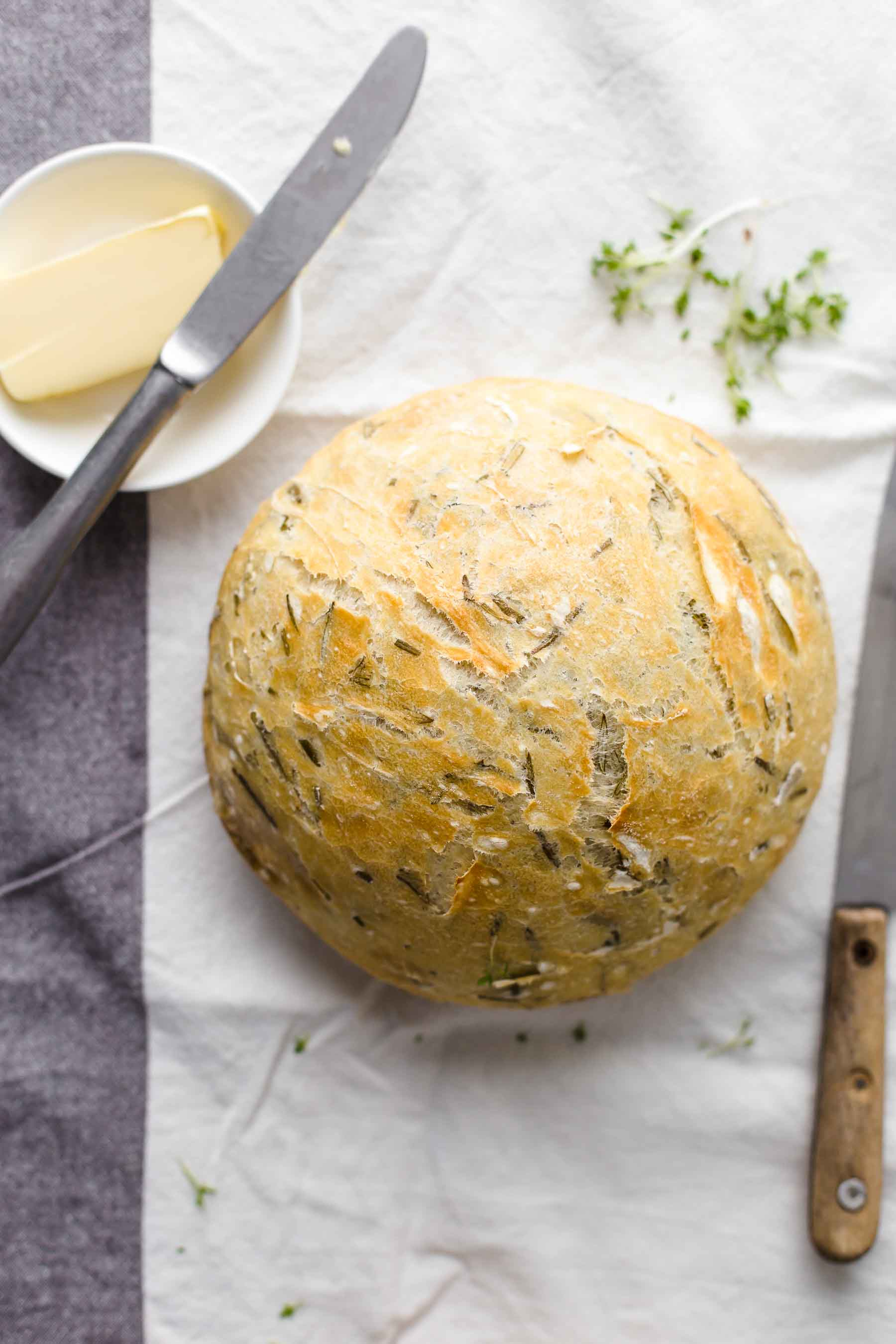 No Knead Dutch Oven Bread Recipe Easy Rosemary Bread
