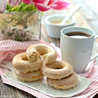 Skinny Caramel Vanilla Cream Baked Donuts