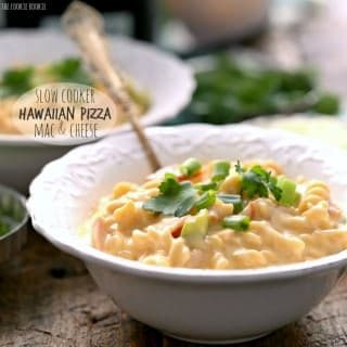 Slow Cooker Hawaiian Pizza Macaroni and Cheese