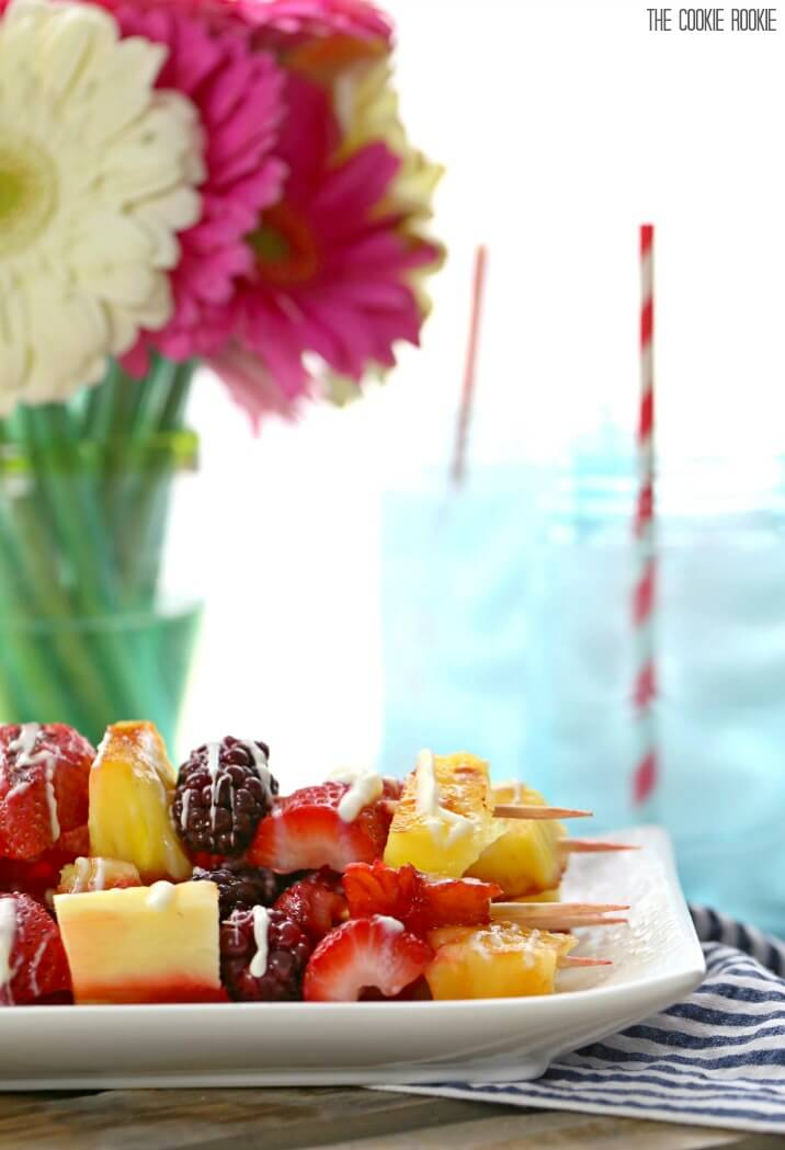 Grilled Fruit Kebabs with White Chocolate Drizzle. Love these healthy fruit skewers! Perfect for kids!