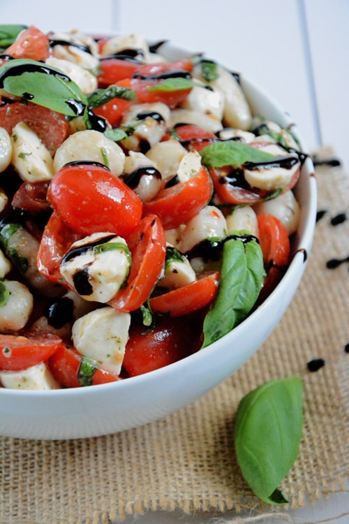 Caprese Gnocchi Salad | The Housewife in Training Files