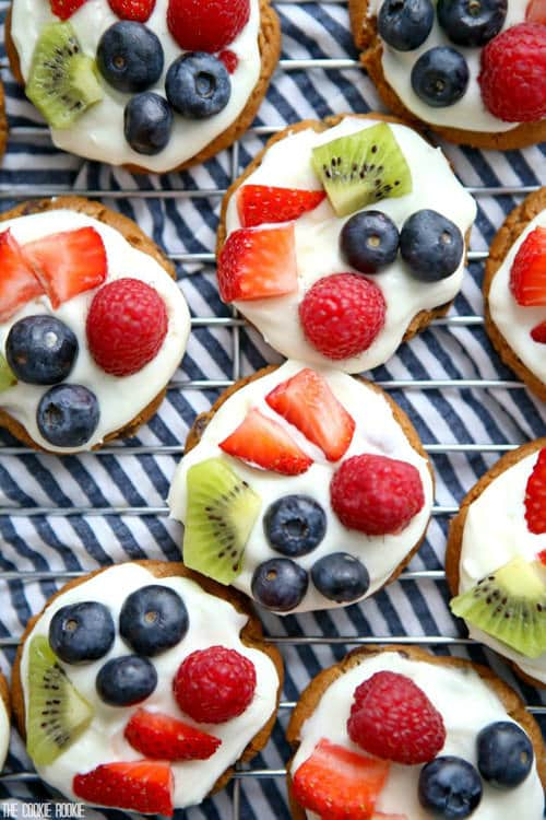 Mini Chocolate Chip Cookie Fruit Pizzas   The Cookie Rookie
