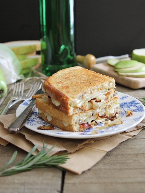 Pear, Bacon and Brie Grilled Cheese | Running to the Kitchen