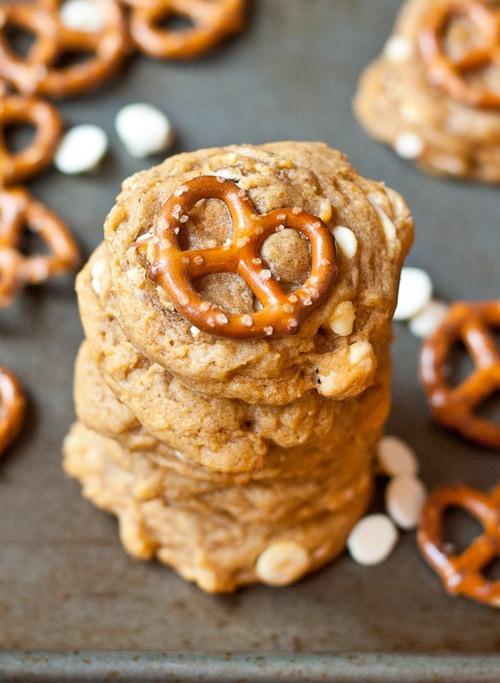 White Chocolate Pretzel Pumpkin Cookies | Neighbor Food
