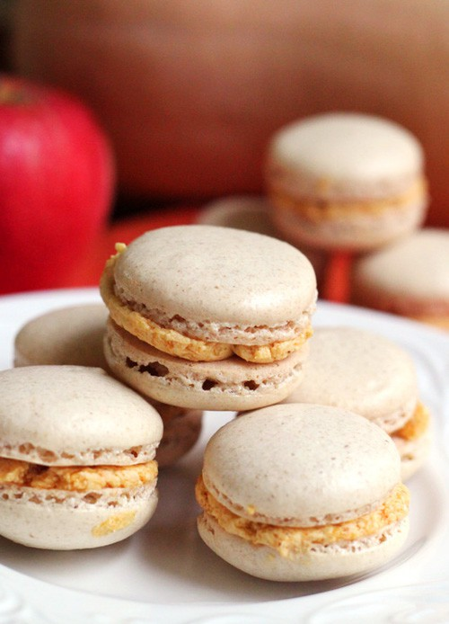 Ginger Macarons with Pumpkin Bourbon Buttercream | Eats Well with Others