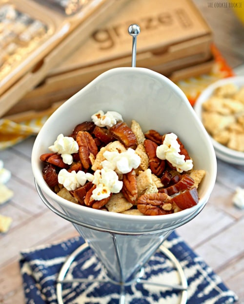 Chocolate Pecan Pie Snack Mix | The Cookie Rookie