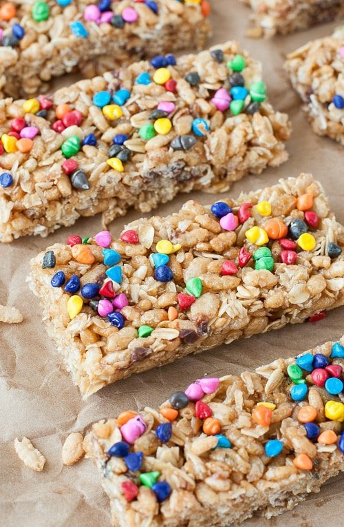 Chewy No Bake Rainbow Chip Granola Bars | Peas and Crayons