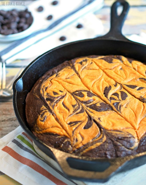 Pumpkin Pie Skillet Brownie | The Cookie Rookie