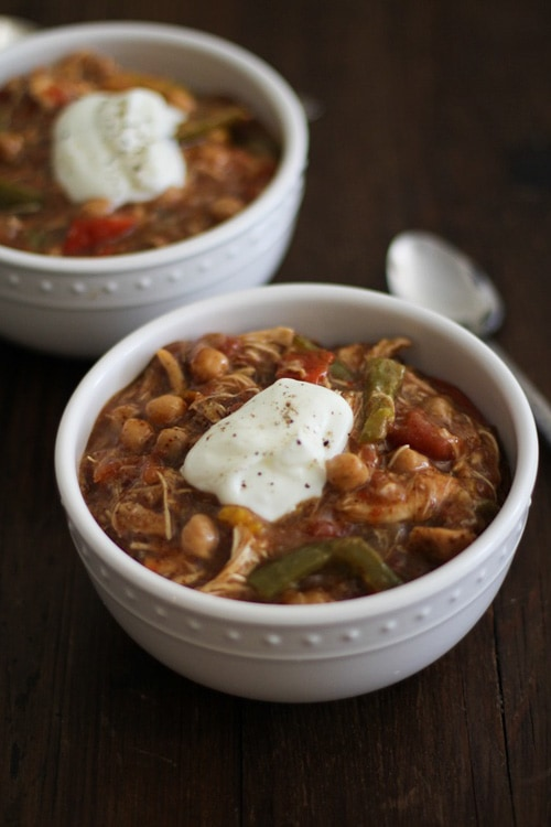 Shredded Chicken Fajita Chili | The Roasted Root