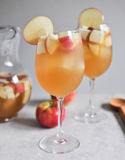 Apple Cider Sangria | How Sweet Eats