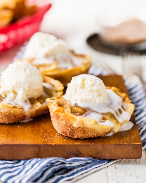 Apple Pie Taco Boats | The Cookie Rookie