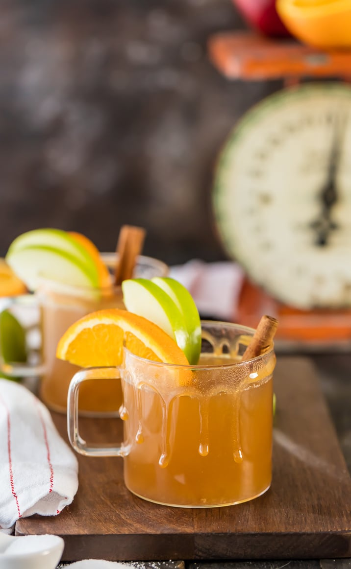 Two glasses of slow cooker apple cider