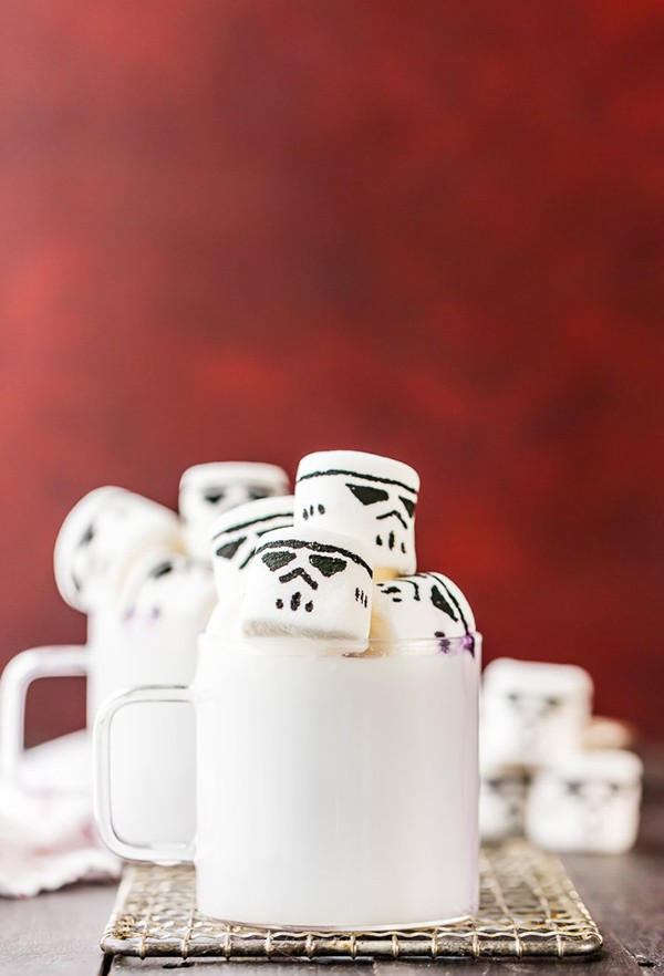 White Hot Chocolate with Stormtrooper Marshmallow | The Cookie Rookie
