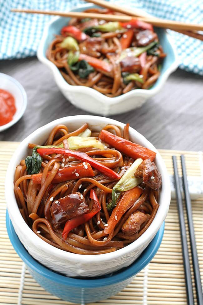 Slow Cooker Chicken Lo Mein | Life Made Sweeter