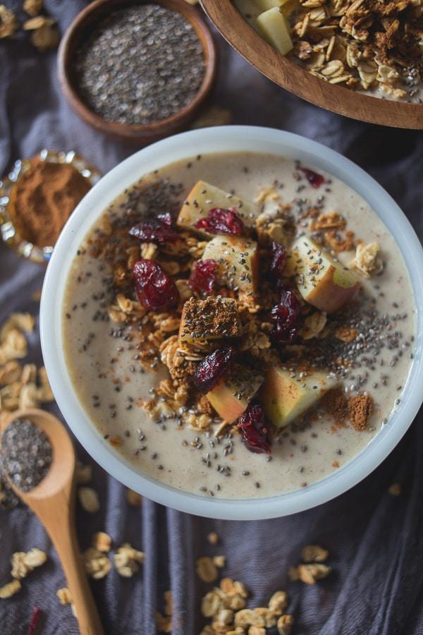 Apple Pie Smoothie Bowl | Nutmeg Nanny
