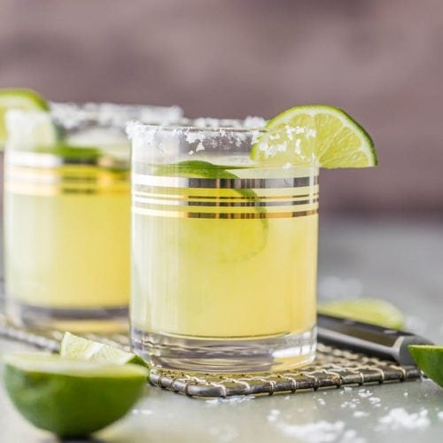Nothing better than a Classic Skinny Margarita! Simple ingredients and lots of flavor, not many calories! Guilt-free cocktail, BEST EVER MARGARITA! Favorite easy cocktail recipe.