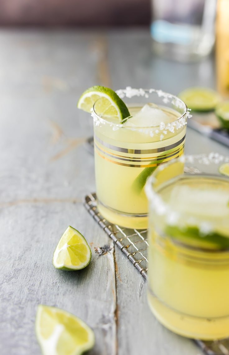 This Skinny Margarita Recipe is my go-to simple margarita recipe! With only 5 ingredients (good tequila, fruit juices, agave nectar, and soda) and lots of flavor, this classic margarita is a guilt free cocktail. This Skinny Margarita is just perfect for Cinco de Mayo!