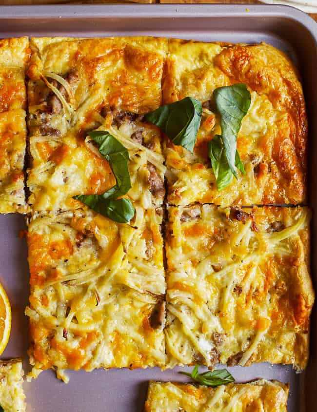 Sheet Pan Breakfast Pizza | The Cookie Rookie
