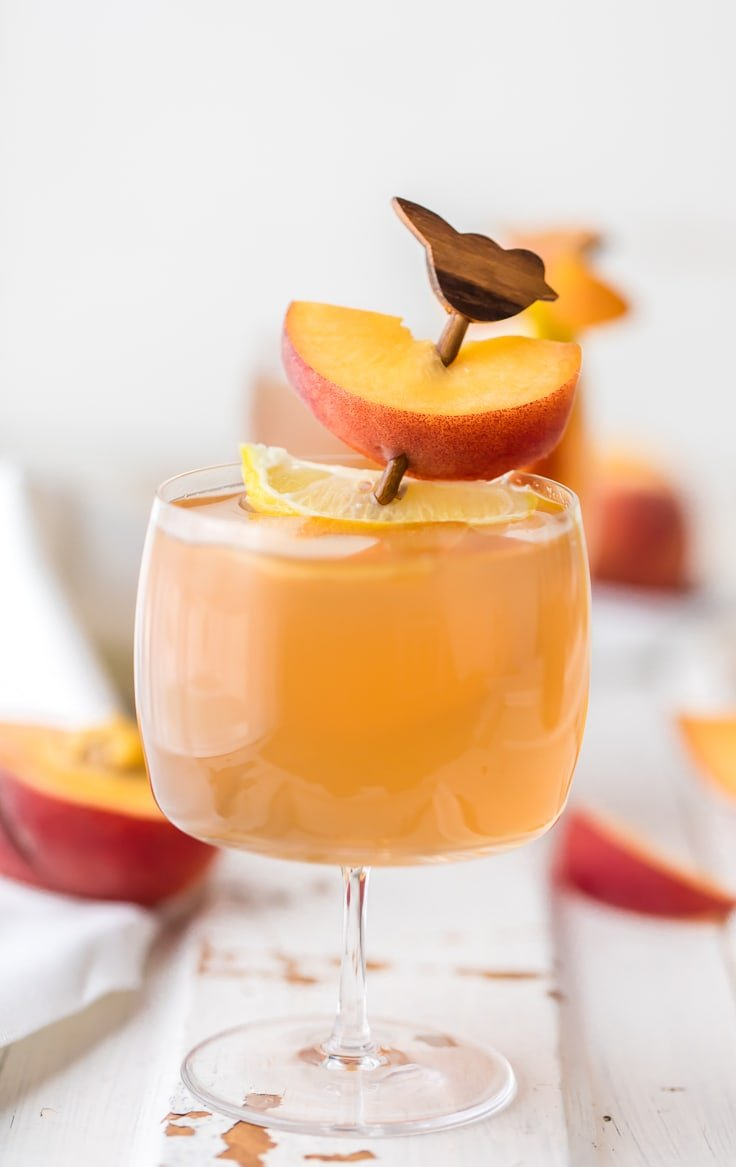 Homemade peach tea vodka plus the spiked peach arnold for Fun cocktails with vodka