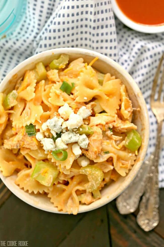 Buffalo Chicken Pasta Salad | The Cookie Rookie