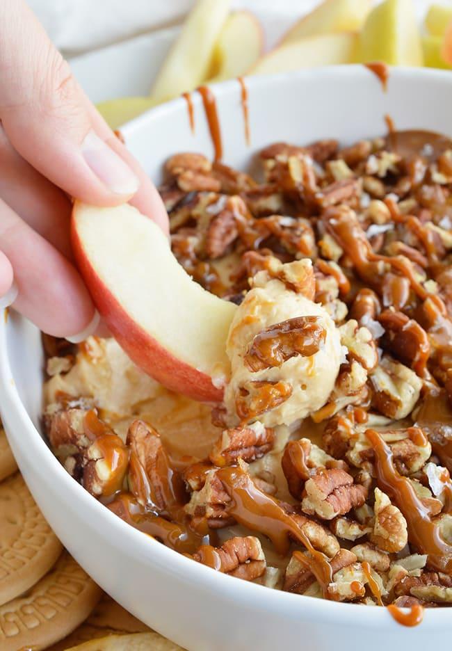 Salted Caramel Pecan Cheesecake Dip | Wonky Wonderful